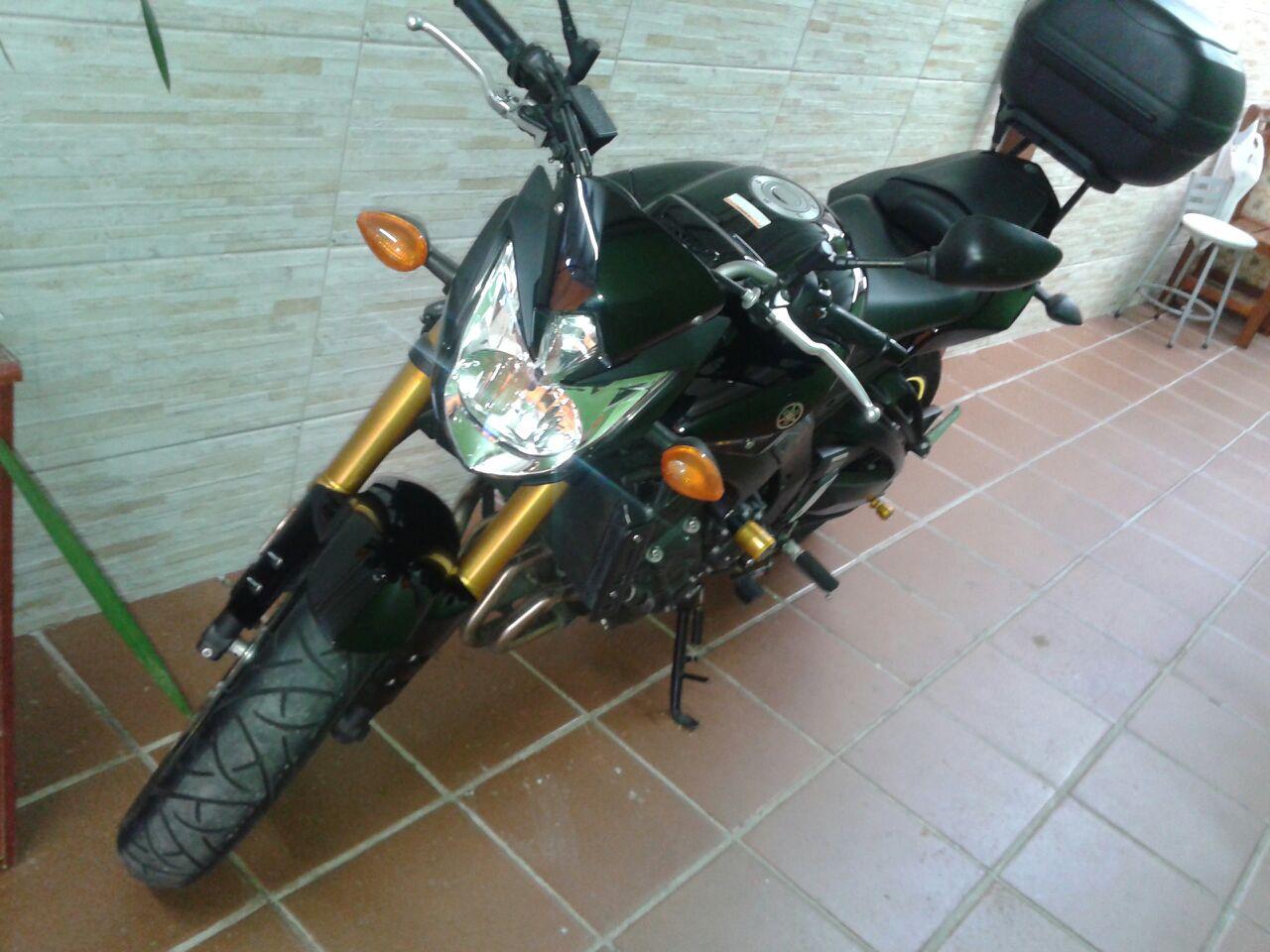 YAMAHA  FZ8 2011/2011