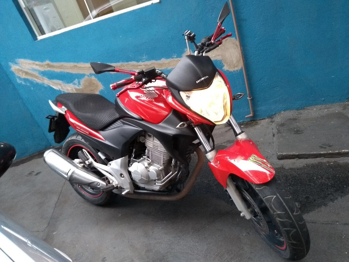 HONDA CB 300R 2011 em São Jose Dos Campos - SP | Local Motors