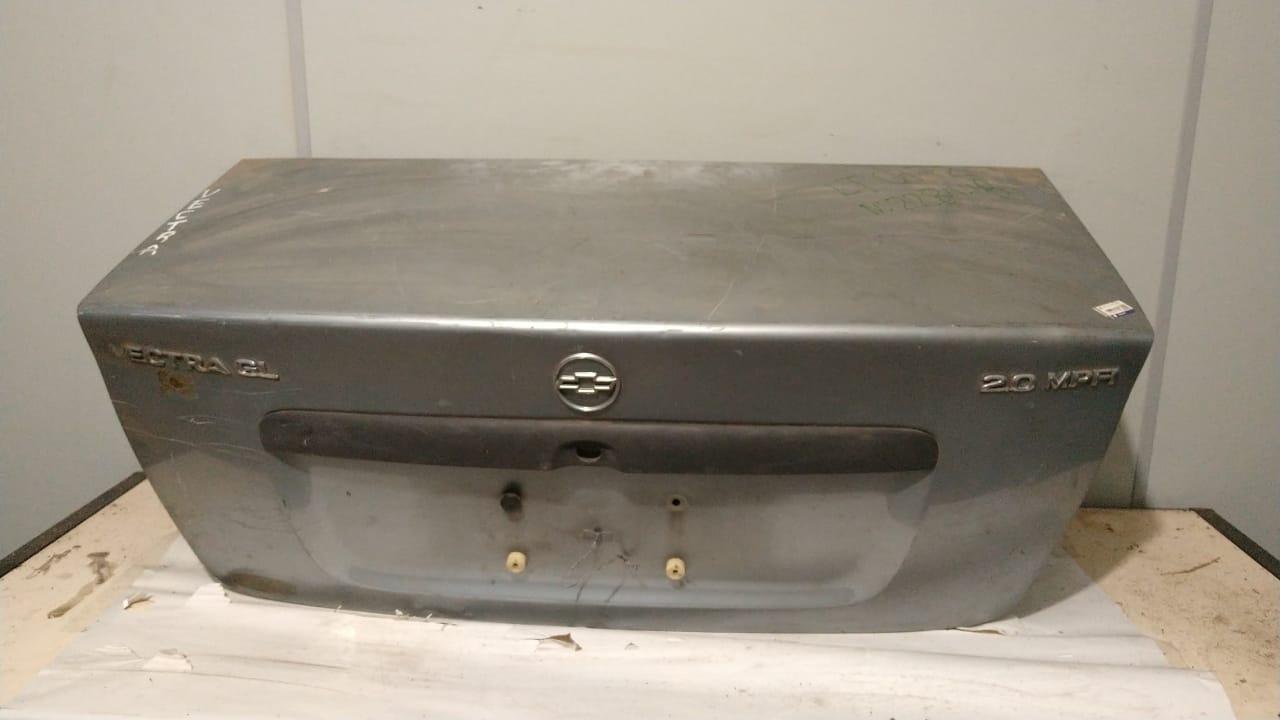 Tampa traseira porta malas Vectra Sedan 1995 96 1997